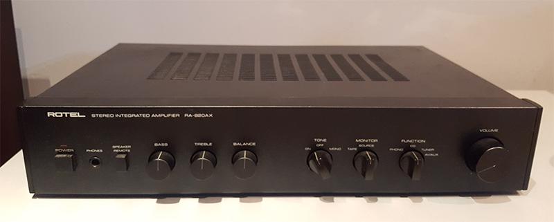 Rotel RA-820AX