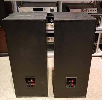B&W DM320