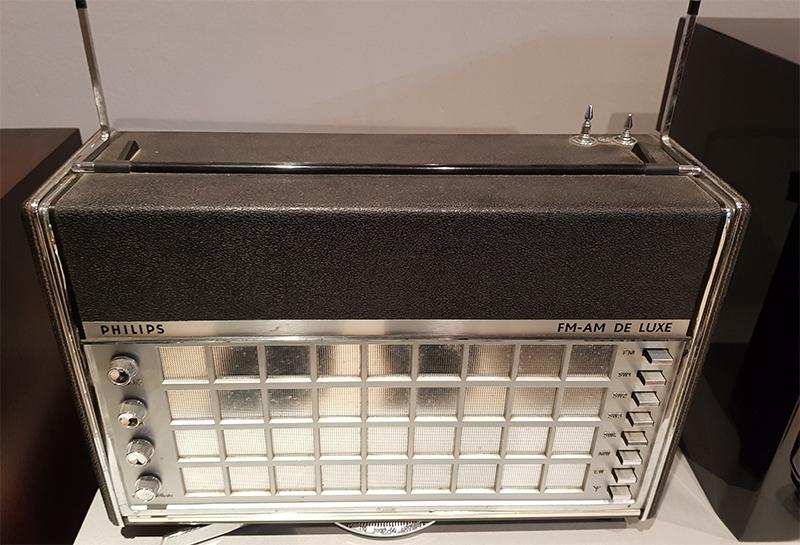 Philips Antoinette Transworld de Luxe 22LR798